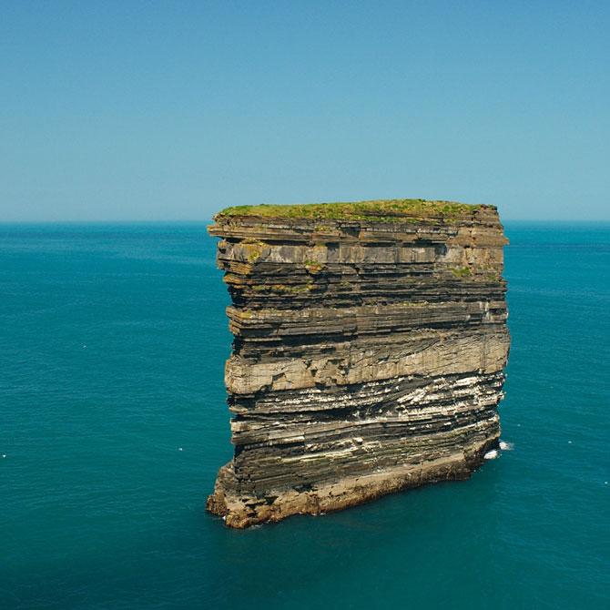 Десятка самых красивых скал мира (26 фото)