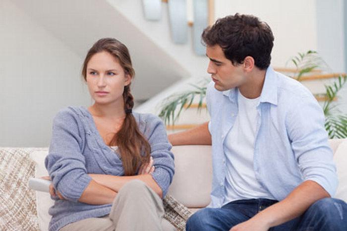 Жена жалуется мужу на сына