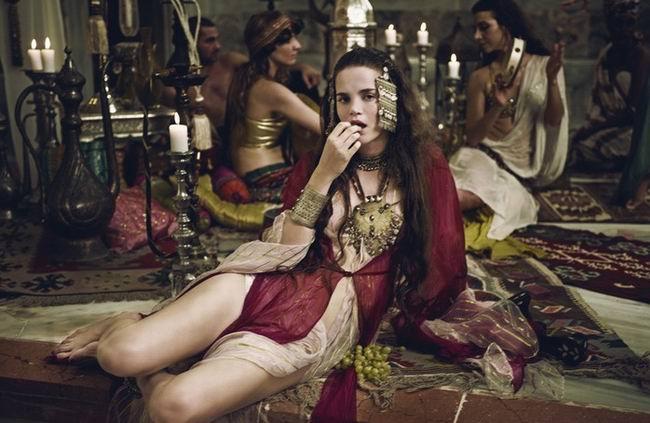 Тост: Султан вечером зовет главного евнуха и велит привести Зульфию
