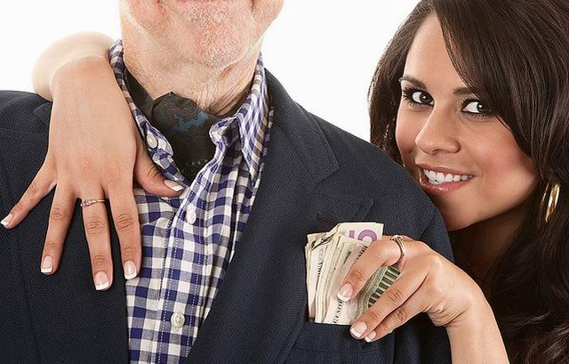 Разгар кризиса. Супруга олигарха за завтраком говорит мужу