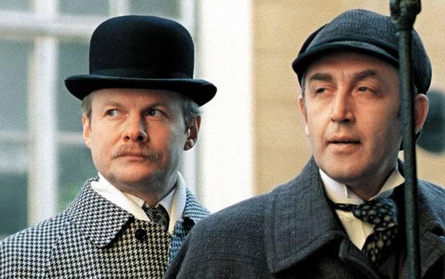 Шерлок Холмс и доктор Ватсон прогуливались по вечернему Лондону