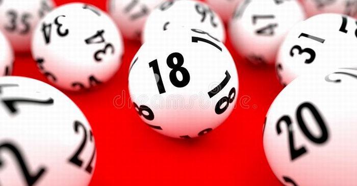 Настойчивая пенсионерка выиграла в лотерею 95 миллионов.