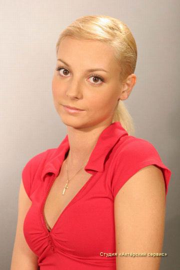 Света Даша Сагалова из сериала Счастливы вместе