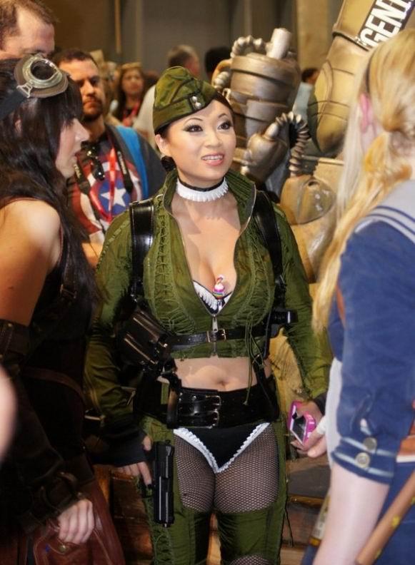 Девушки-косплеерши с Comic-Con