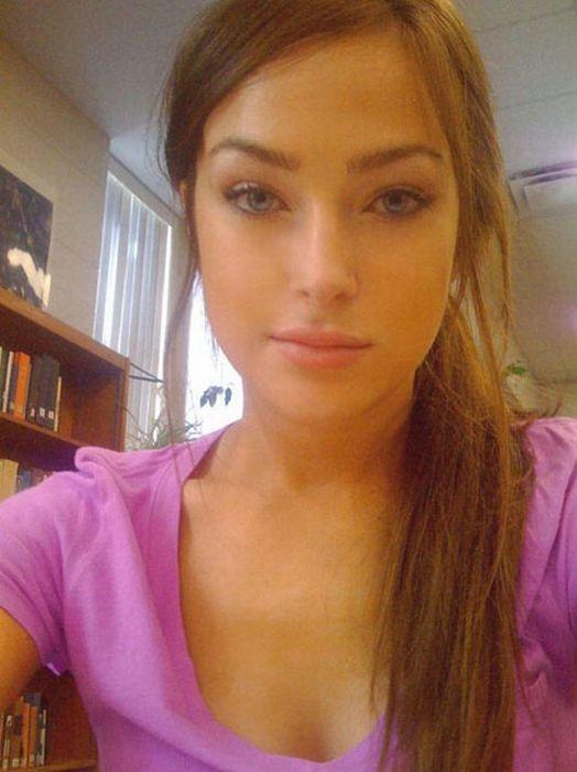 Симпатичные девушки с Facebook (84 фотографии)