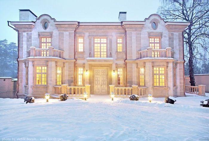 Дома Рублевки (47 фотографий)