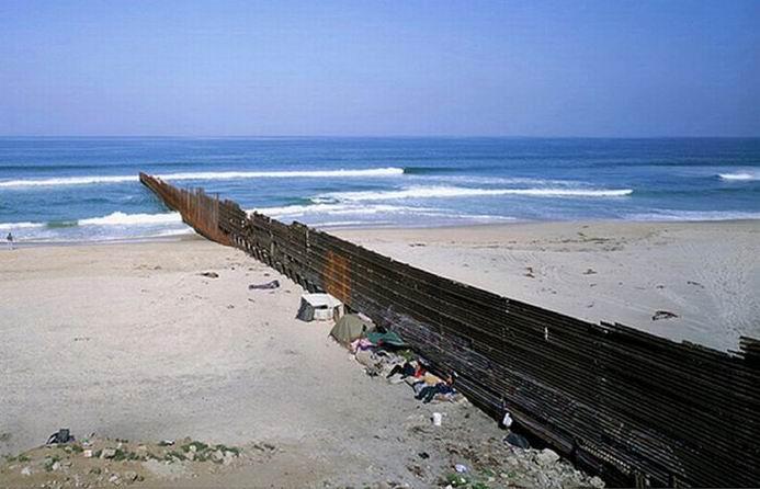 Граница между США и Мексикой (25 фотографий)