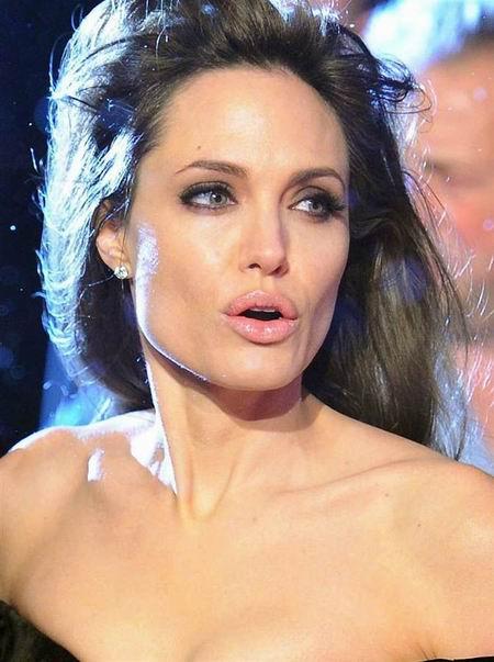 Веселый понедельник про силиконовые губы знаменитостей, кино в картинках и Пэрис Хилтон любит демонстрировать грудь