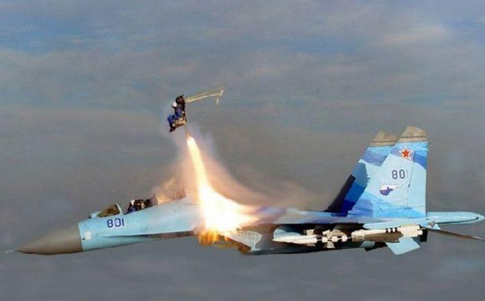 Пилоты, которым удалось спастись (28 фотографий)