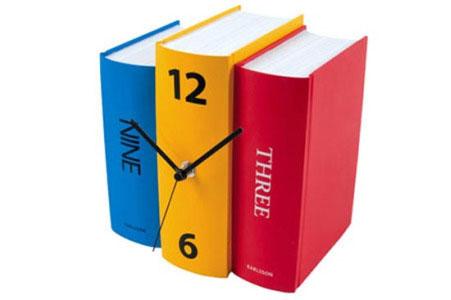 2 Непростые книги (17 фотографий)