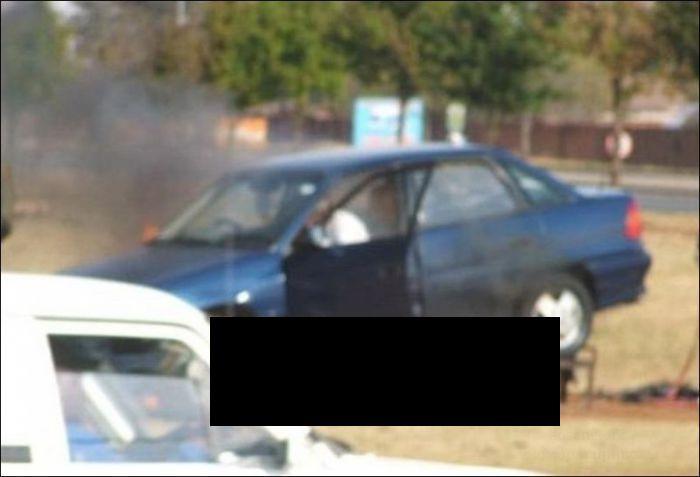 Не очень удачный ремонт авто (4 фотографии)