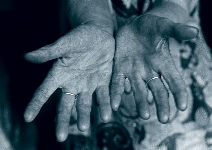 Покажите свои руки