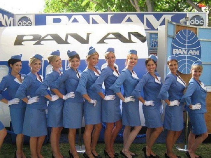 Стюардессы разных авиакомпаний (45 фотографий)
