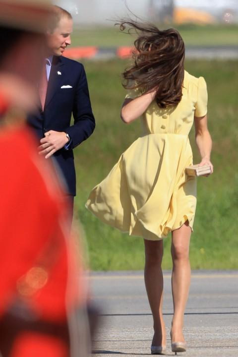 Принцесса Англии светит пятой точкой (4 фотографий)
