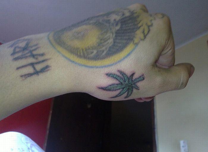 Татуировки в виде марихуанны