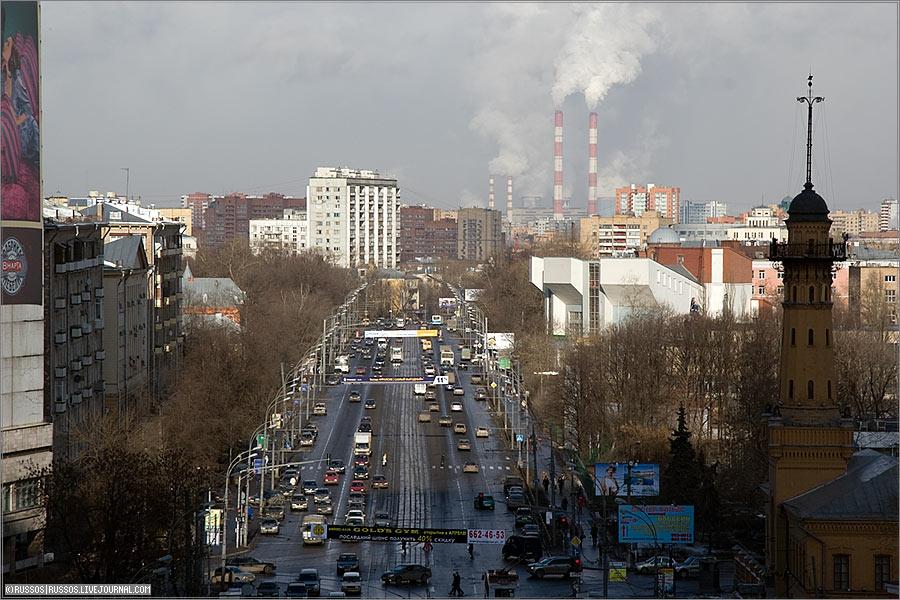 И поделилась Москва...