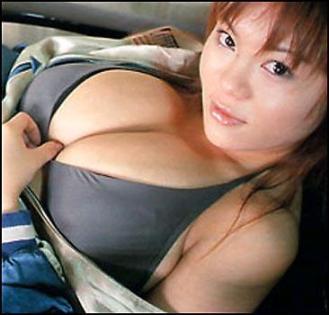 Самая большая грудь - у 15-летней