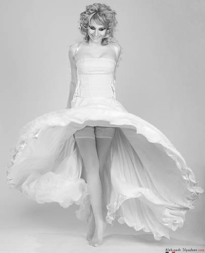Невеста никому не нужна? :))