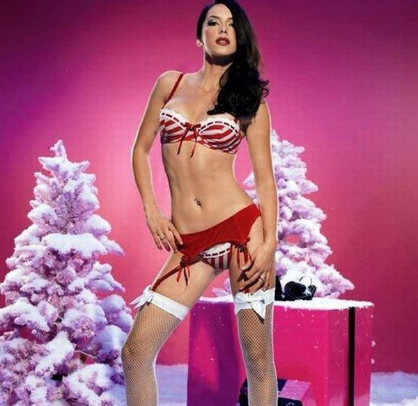 Сексуальные девушки в новогодних костюмах новый год
