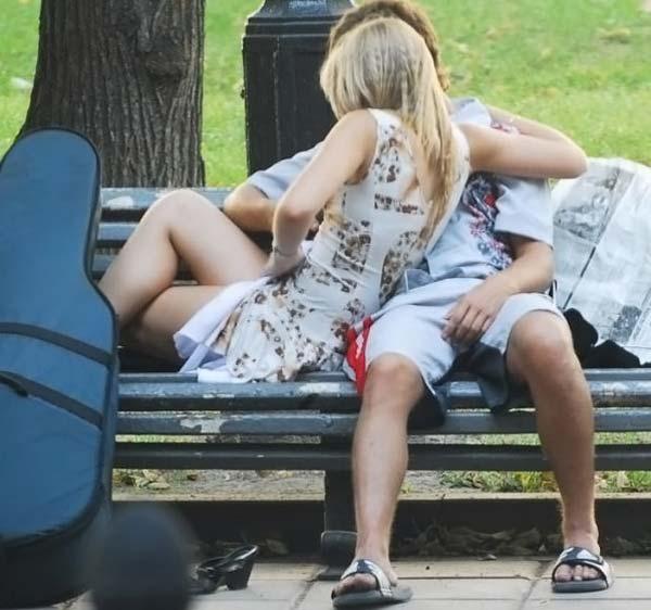 foto-podsmotrennoe-devushki-v-parke