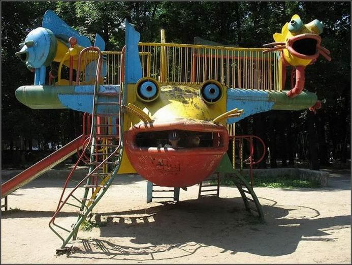 Детская площадка в городе Хмельницком (13 фотографий)