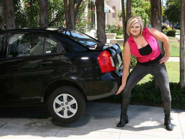 Lindsay Hayward - самая высокая блондинка
