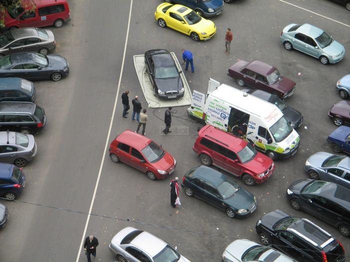 Как моют машины в Москве (11 фотографий)