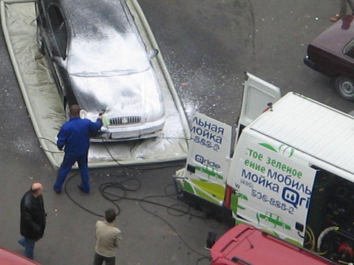 Как моют машины в Москве