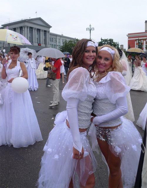 Парад невест (34 фотографии)