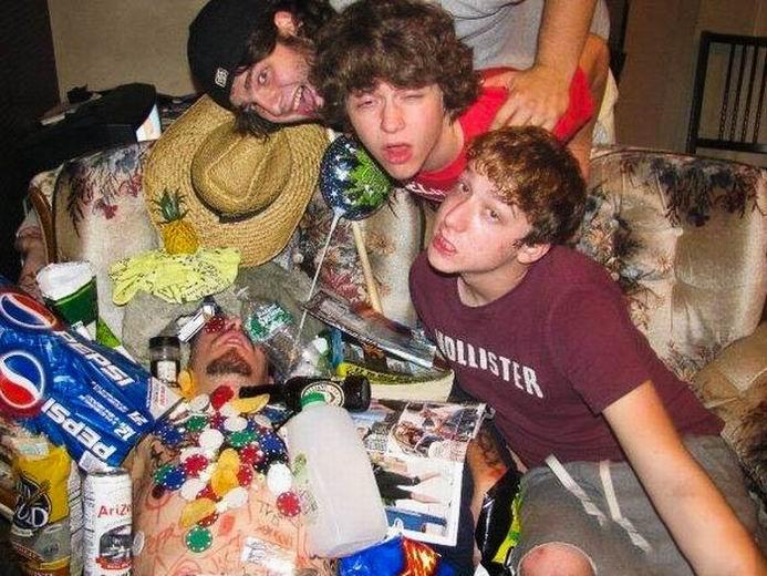 Пятнично: жесткие приколы над пьяными (36 фотографий)