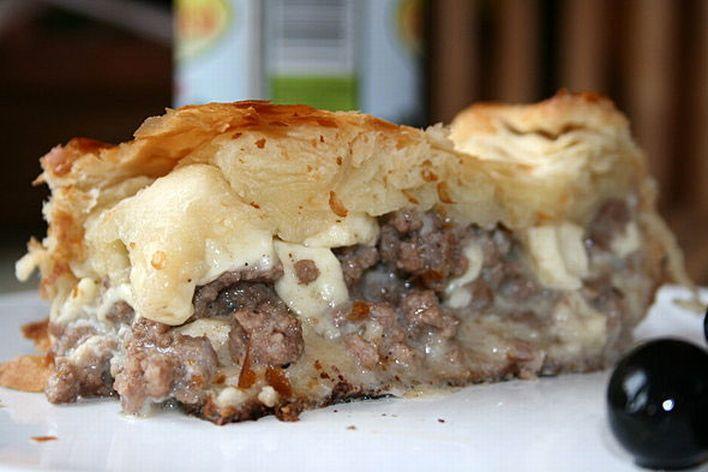 Новозеландцы считают лучшим средством пирог из фарша и сыра. Так же в исцелении им помогает простой молочный шоколад.