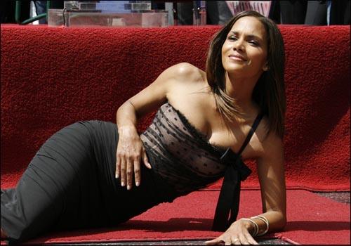 Самая сексуальная женщина в мире (9 фото)