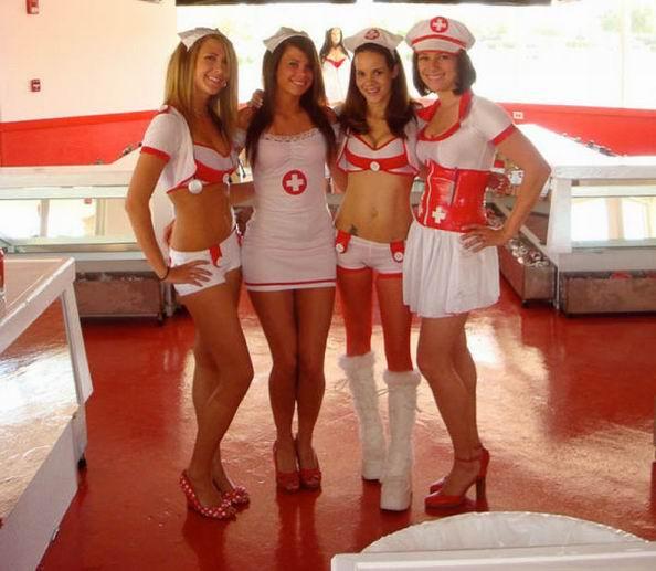 Девушки из ресторана Сердечный приступ (34 фотографии)