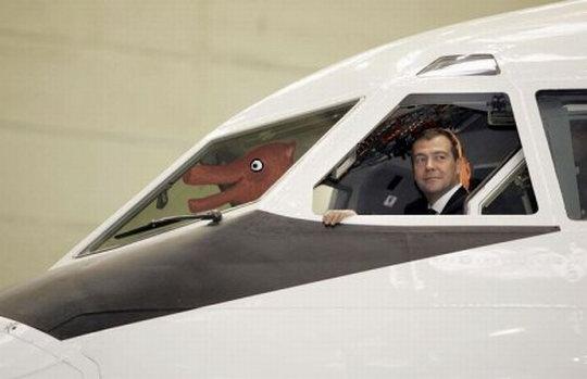 Медведев на самолете