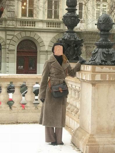 Фотожаба: Продам мутоновое пальто (20 фотографий)