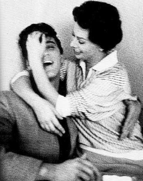 Неизвестные фотографии известных людей Elvis Presley and Sophia Loren