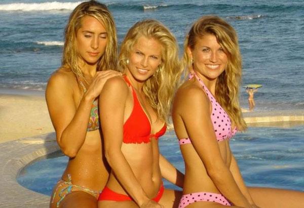 Пляжные девушки (50 фотографий)