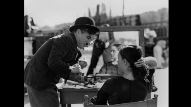 Как-то Чарли Чаплин ехал в нью-йоркском метро