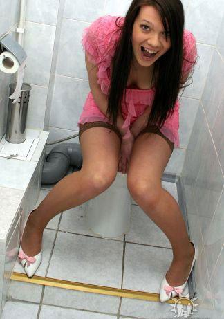 Туалетный гламур (21 фотография)
