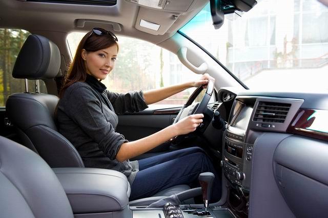 Пока живут на свете мужчины, женщине можно водить авто!