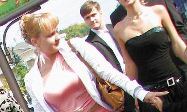 Подружка невесты на сельской свадьбе (10 фото)