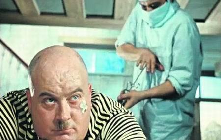 Врач прописал больному 3 укола через каждые полчаса